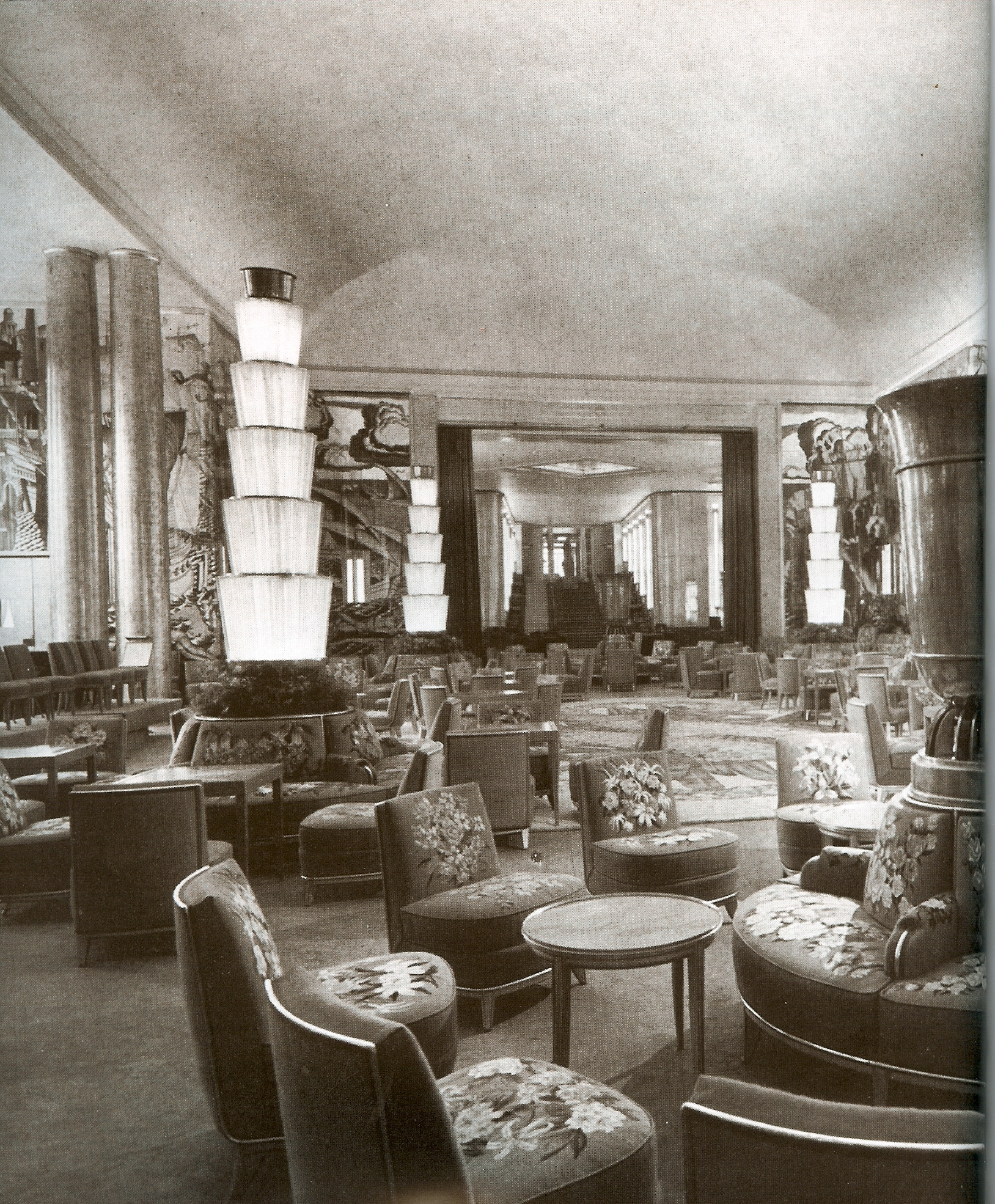 Le normandie when travel was glamourous and fun decor for Interieur art deco